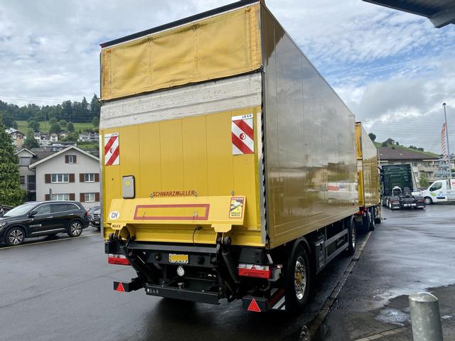 THOM6454_1365673 vehicle image