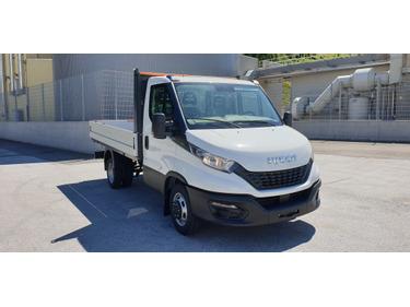 SEDU206_1366993 vehicle image