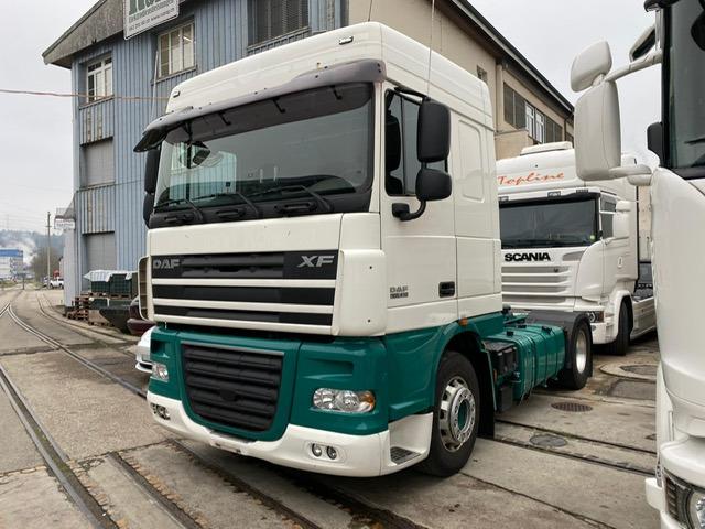 ZELJ895_1260258 vehicle image