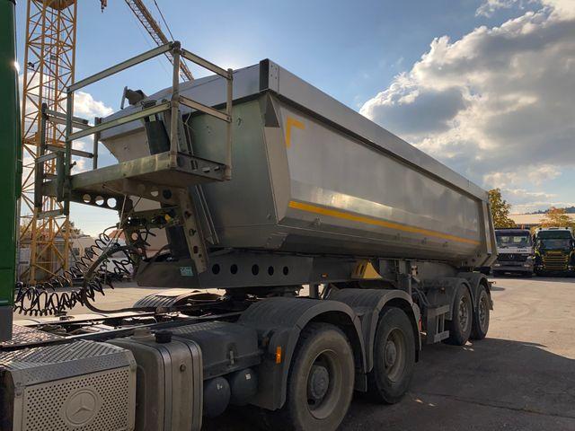 AGRO3463_1236474 vehicle image
