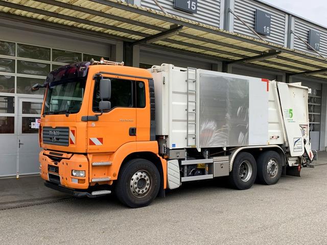 MAN126_1245415 vehicle image