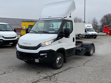 STUD177_1395928 vehicle image
