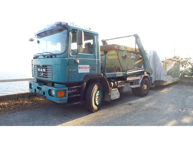 0061021 vehicle image