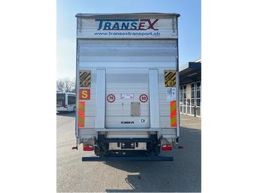 STUD177_1395929 vehicle image