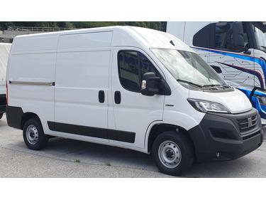 SEDU206_1394532 vehicle image