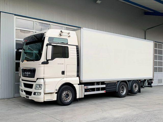 MAN126_1256007 vehicle image