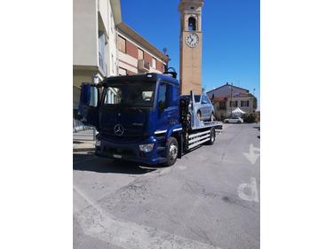 ZIAL184_1345995 vehicle image
