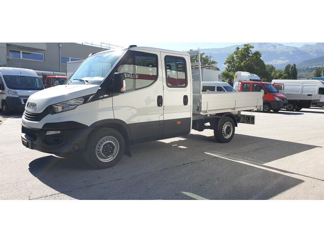 SEDU206_1376815 vehicle image