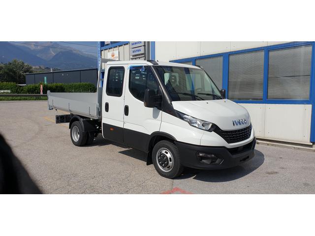 SEDU206_1373874 vehicle image