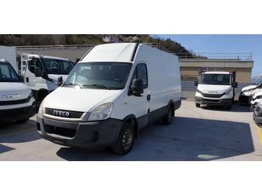 SEDU206_1316464 vehicle image