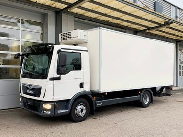 MAN126_1255863 vehicle image