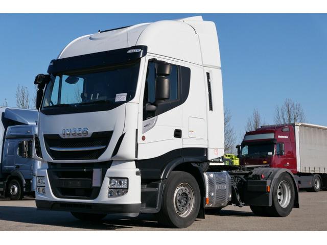 DOLD2821_1329948 vehicle image