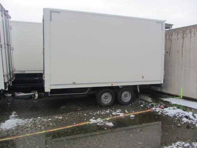 JAQU922_1206959 vehicle image