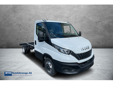 OSKA2753_628269 vehicle image